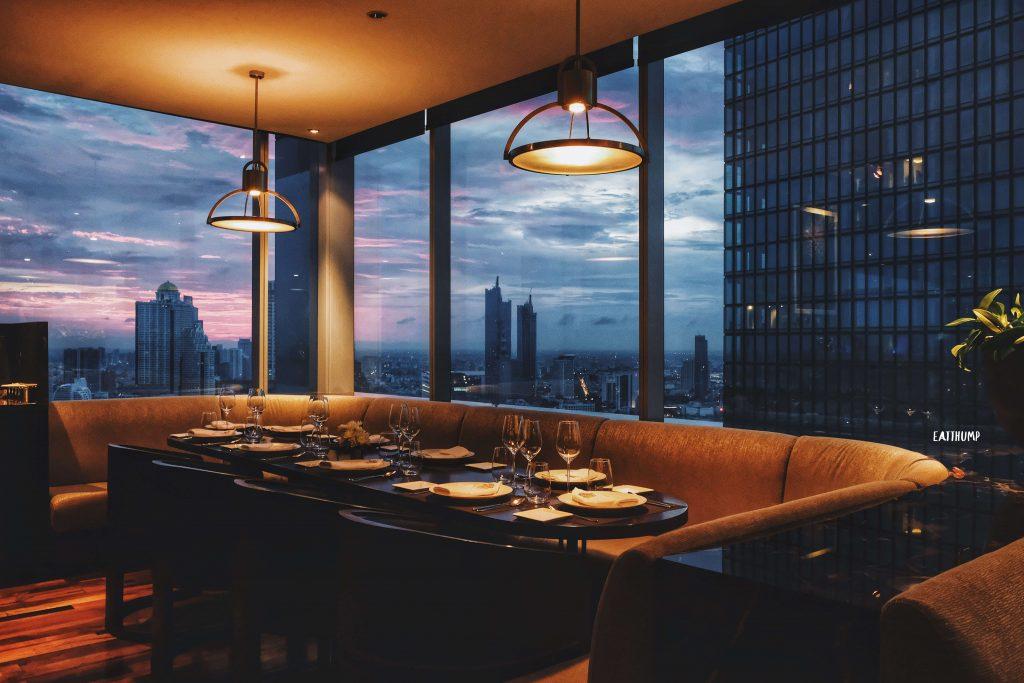 Sky view on urbani
